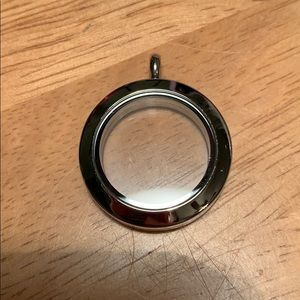 Origami Owl Medium Silver Living Locket